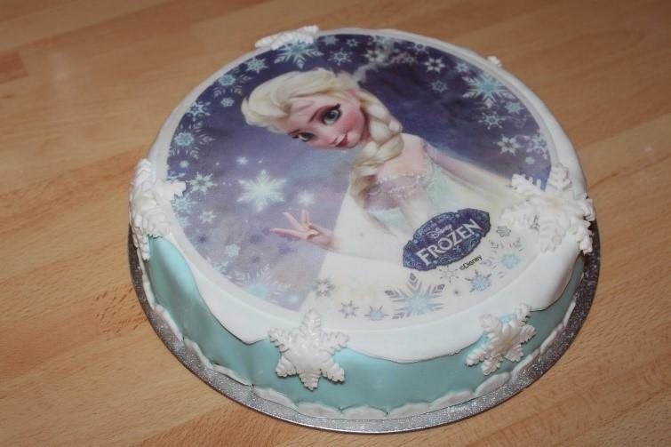 Gâteau d'anniversaire Reine des Neiges disque
